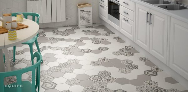 Hexatile_harmony_BW_kitchen_slider